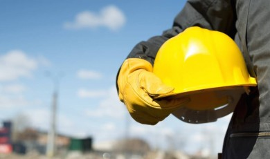 EMC ბაკურიანში მშენებლობაზე დასაქმებული პირის დაღუპვას ეხმიანება