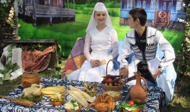 დმანისობა - გადაწერილი დღესასწაული და კულტურული დომინაციის მექანიზმი
