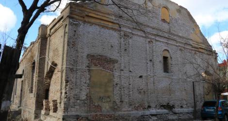 EMC და TDI საპატრიარქოსთვის სომხური ისტორიული ეკლესიის თვითნებური გადაცემის საქმეზე