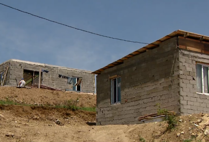 EMC: მოვუწოდებთ თბლისის მერიას დაიცვას რეხის დასახლების მაცხოვრებლები უსახლკარობისგან 